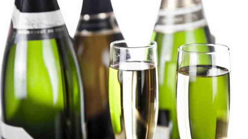 Quel différence entre Champagne et vin mousseux ?