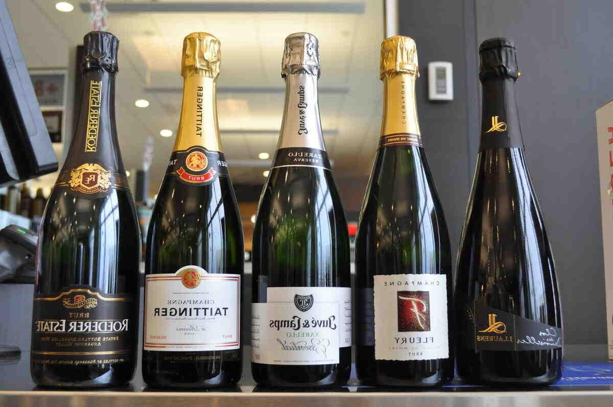 Quelle est la différence entre le champagne et le vin mousseux ?